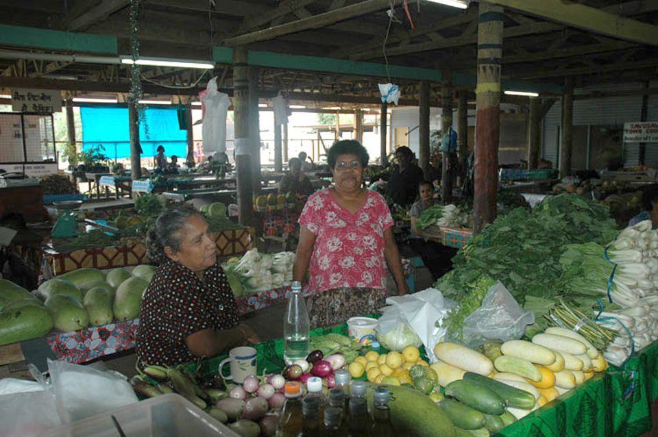 Frisches Obst und Gemüse gibt es auf dem Markt