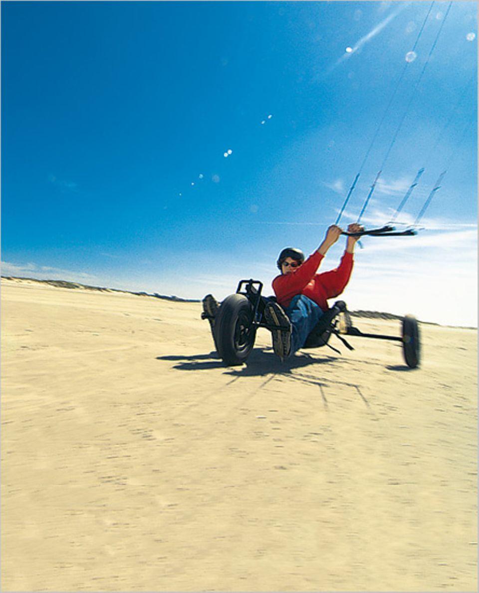 St. Peter-Ording ist das optimale Revier für Kitebuggy-Fahrer
