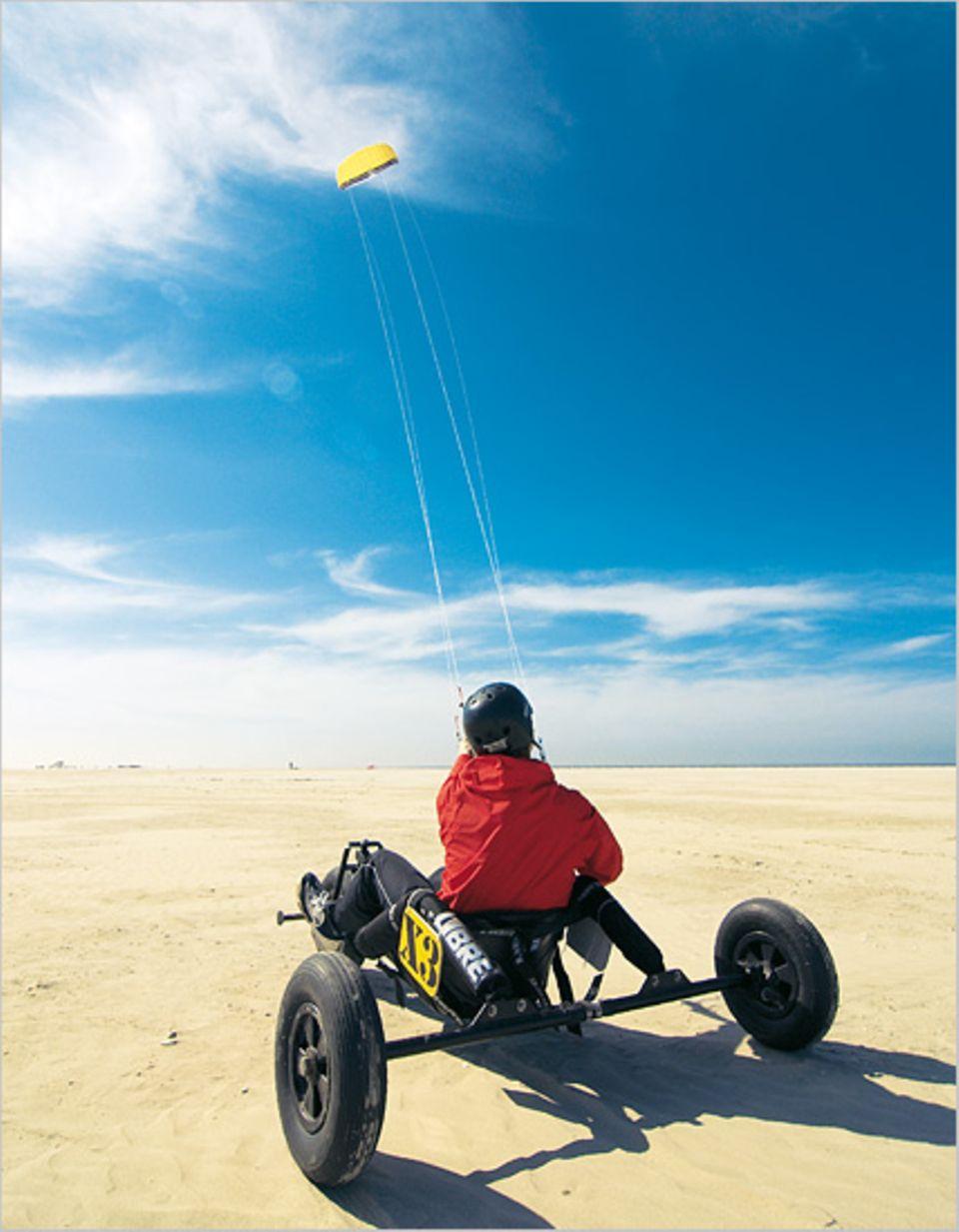 Die Krönung: Mit dem Wind über den Sand flitzen