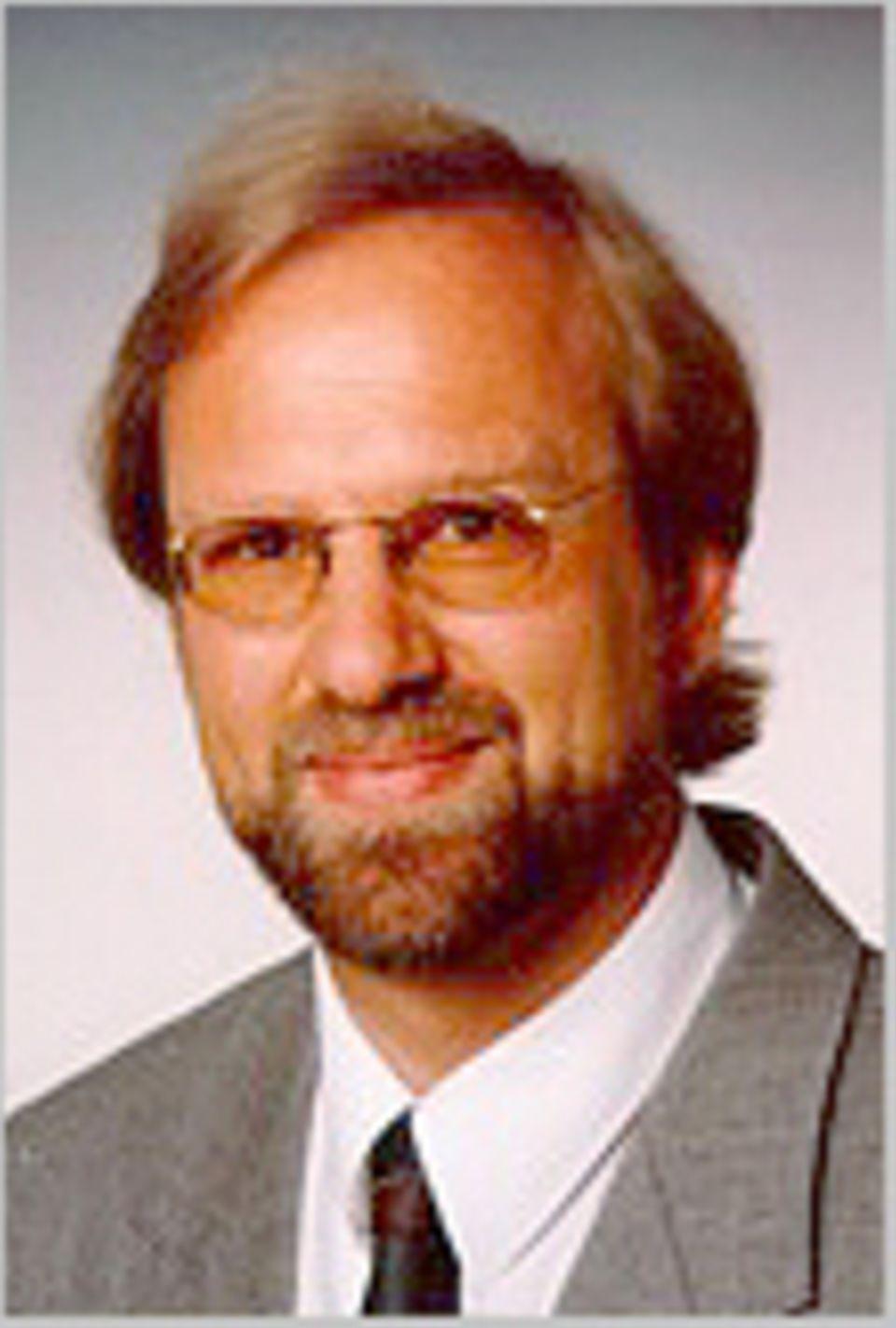 """Prof. Dr. Siegfried Scherer ist Mit-Autor des umstrittenen Buches """"Evolution: Ein kritisches Lehrbuch"""" (Weyel-Verlag, Gießen 2006)"""
