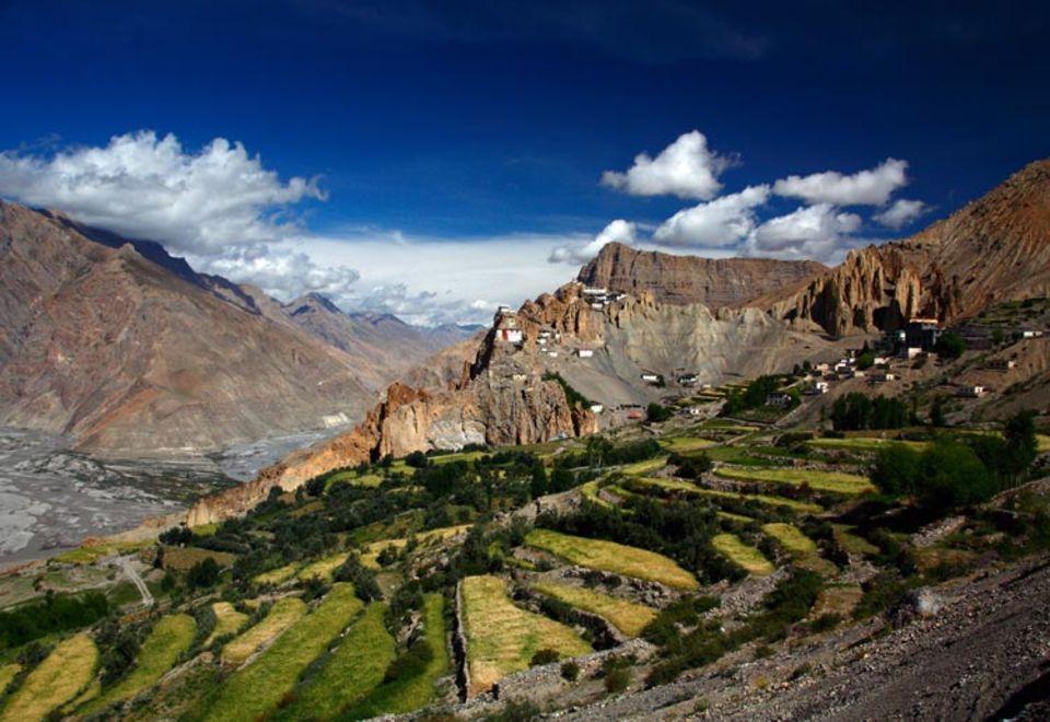 Auf einem unnahbaren Grat in fast 4000 Meter Höhe erhebt sich das Dorf Dankhar im Westen des Himalaya. Einst war es Hauptstadt des früheren Königsreiches Spiti, benannt nach dem Fluss, der sich durch das Tal zieht