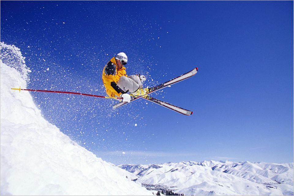Skifahren: Kunststücke auf Schnee: Entwicklungen und Technologien machen den Ski immer schneller und wendiger