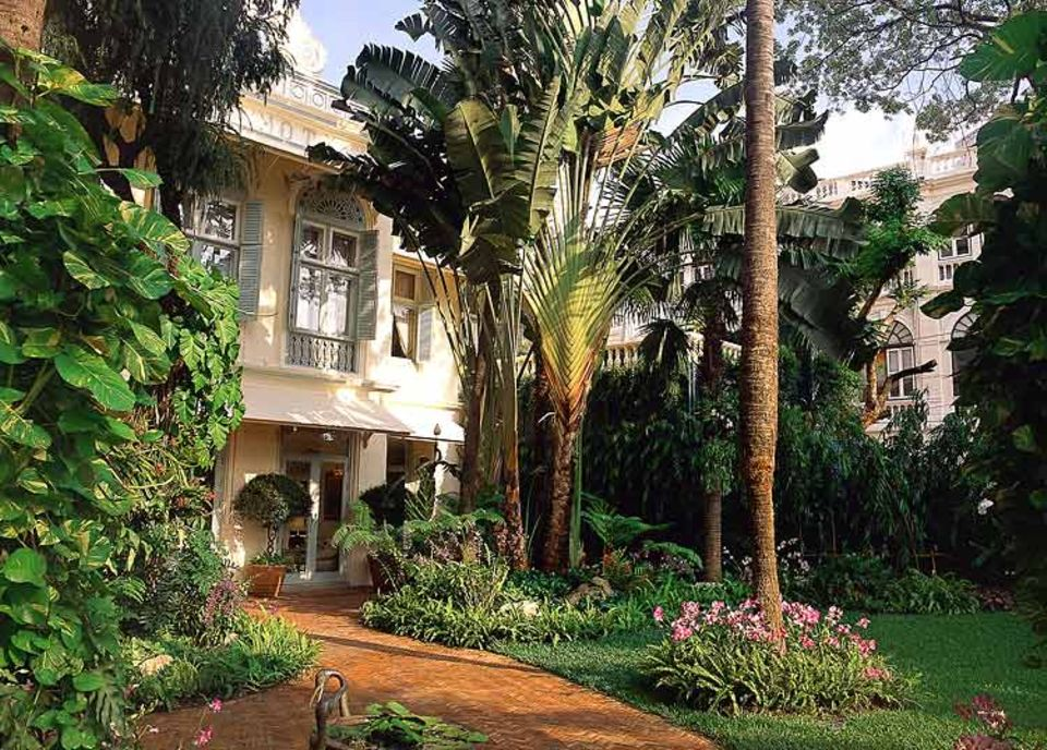"""Bei der Unterkunft sparen ist auch in Luxus-Hotels wie dem """"Oriental-Hotel"""" in Bangkok möglich"""
