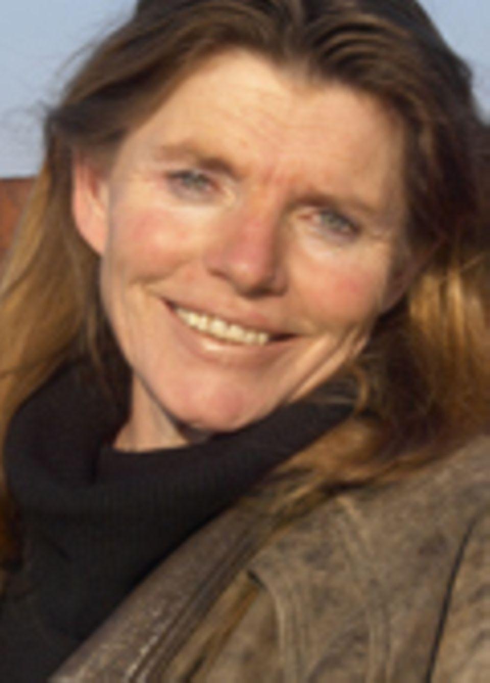 Dr. Anita Idel ist Tierärztin und Mitbegründerin des Gen-ethischen Netzwerks. Sie hat einen Lehrauftrag an der Uni Kassel für die ökologischen, tiergesundheitlichen und sozioökonomischen Auswirkungen der Gentechnik in der Landwirtschaft