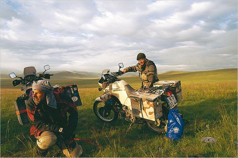 Weites Land: Peters in der Mongolei. Am Tag zuvor haben die Abenteurer ihre Fotoausrüstung verloren
