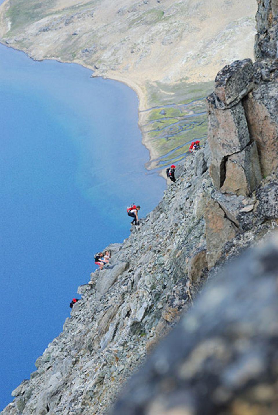 Keine Umwege: An einem Tag muessen die Teams drei Gipfel erklimmen