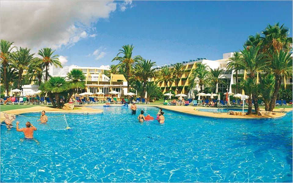 """Poolfitness im """"Sa Coma Playa"""" auf Mallorca"""