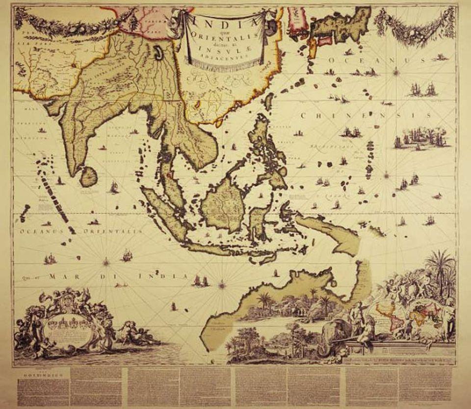 Geschichte Spaniens: Spaniens Nachbar Portugal erwirbt bedeutenden Kolonialbesitz im Pazifikraum, etwa das chinesische Macau, die Molukken und Teile Indiens. Als Philipp II. 1581 auch in Lissabon zum König gekrönt wird, fallen diese Territorien an das spanische Weltreich (Karte aus dem 17. Jh.)