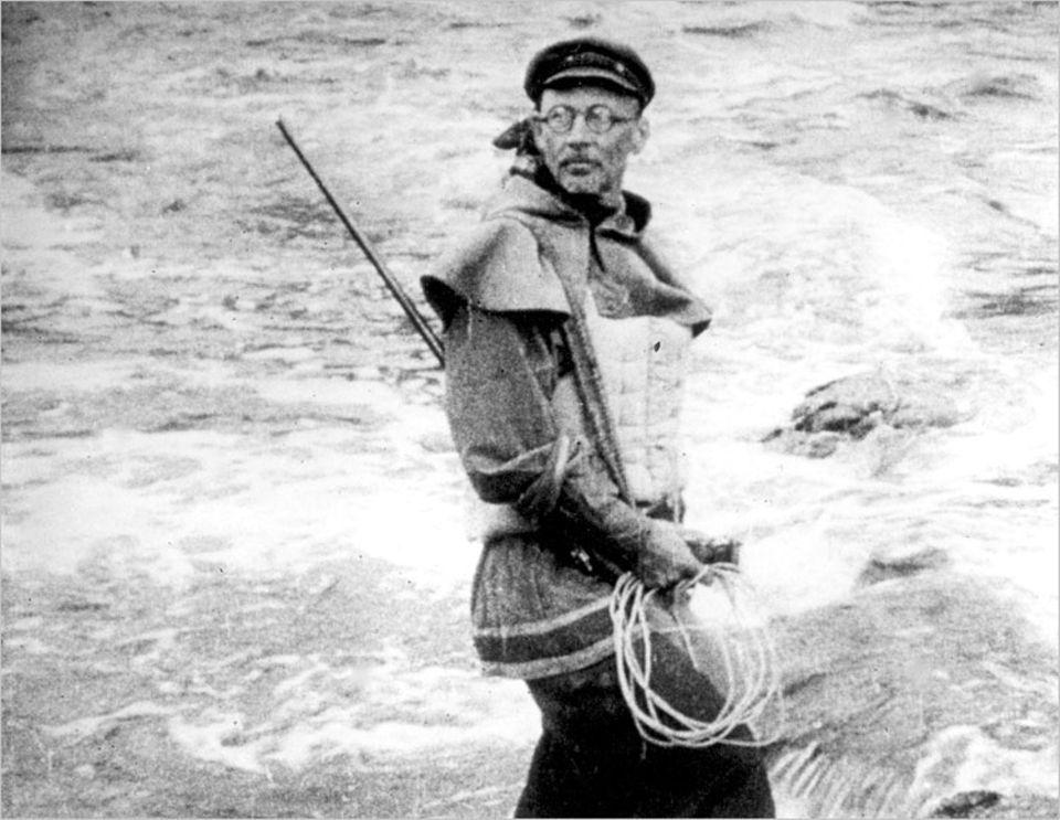 Leonid Kulik vom Mineralogischen Museum in St. Petersburg unternahm 1927 die erste wissenschaftliche Expedition in die Tunguska-Region