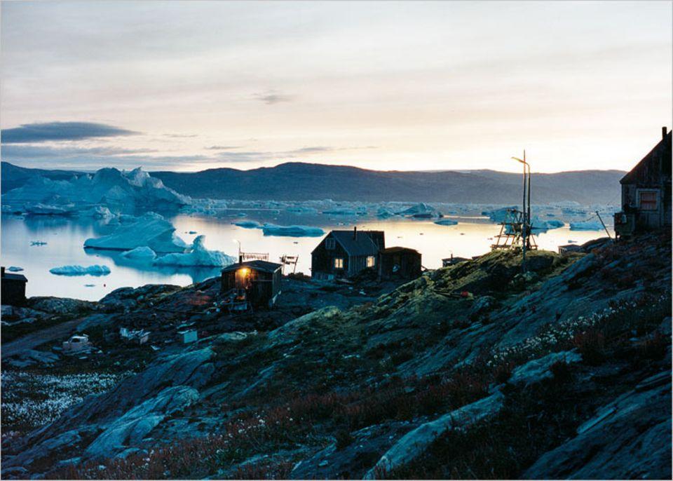 Budenzauber: die Häuser von Tiniteqilaaq in der Arktis