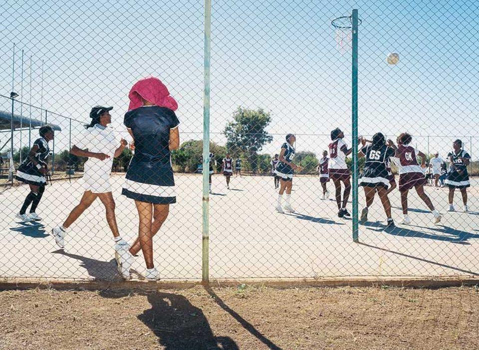 Netball-Spielerinnen in Aktion