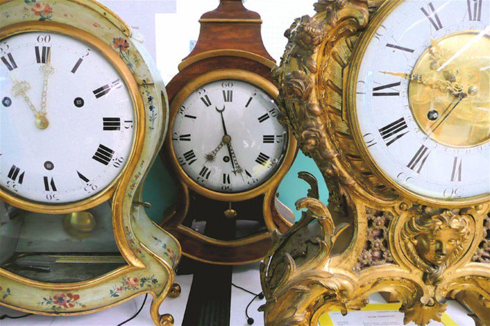 Im Schweizer Ort Le Locle hat die Restauration von historisch-wertvollen Uhren eine lange Tradition. Schon im 17. Jahrhundert erlernte man hier das filigrane Handwerk der Uhrenrestauration