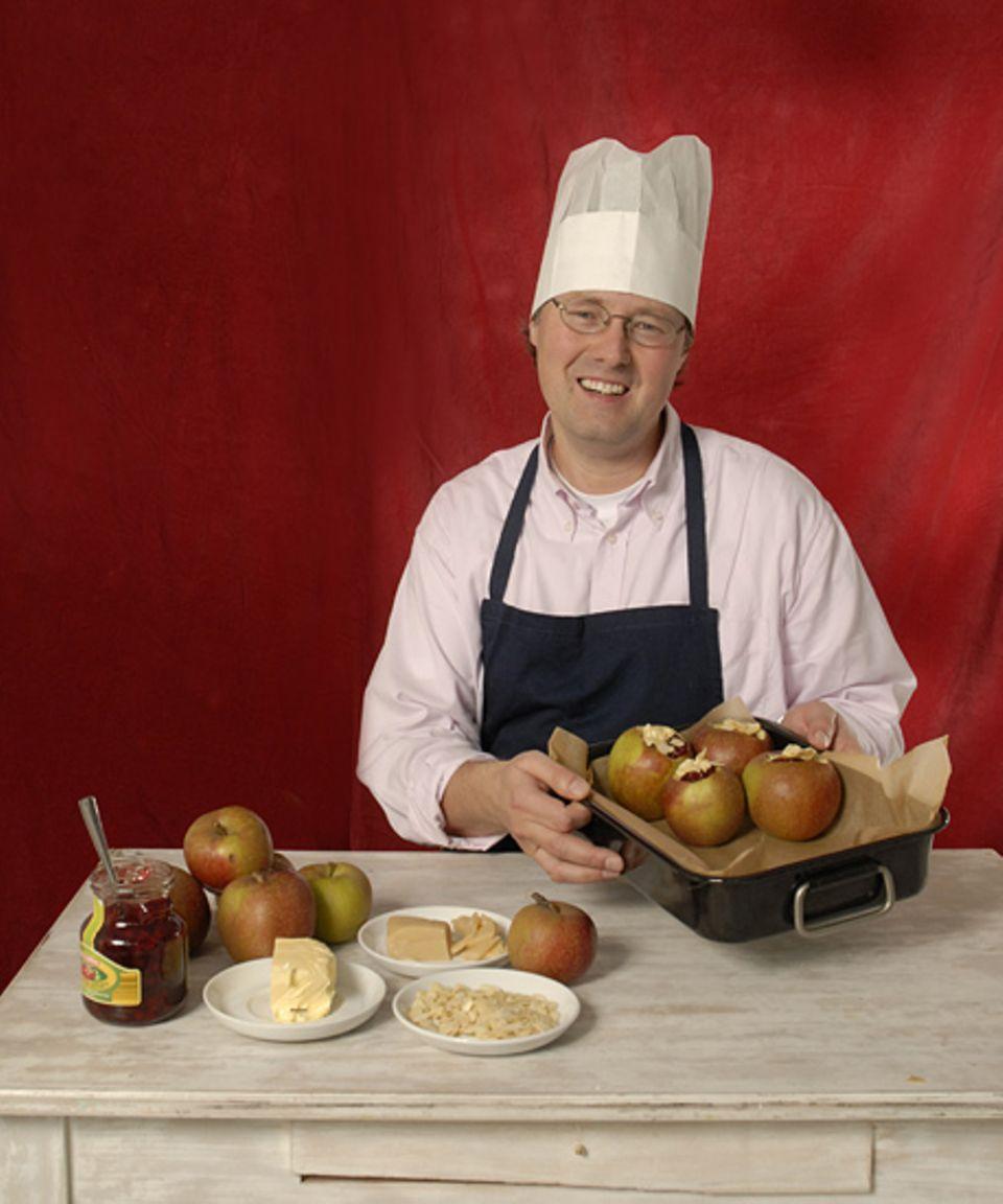 Dokumentar Matthias Albaum ist berühmt für seine leckeren Advents-Bratäpfel