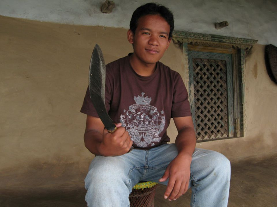 Santosh Gurung will Gurkha-Krieger werden. Der Kukri-Dolch ist das Symbol der Elite-Kämpfer