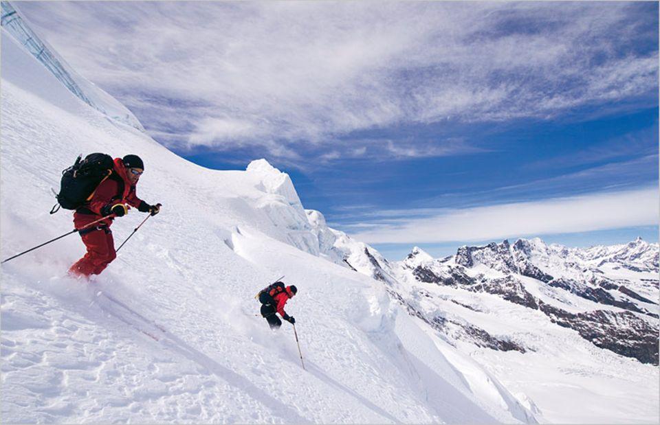 Höhenrausch auf der Dufourspitze. Vom höchsten Schweizer Gipfel dauert die Talabfahrt drei Stunden