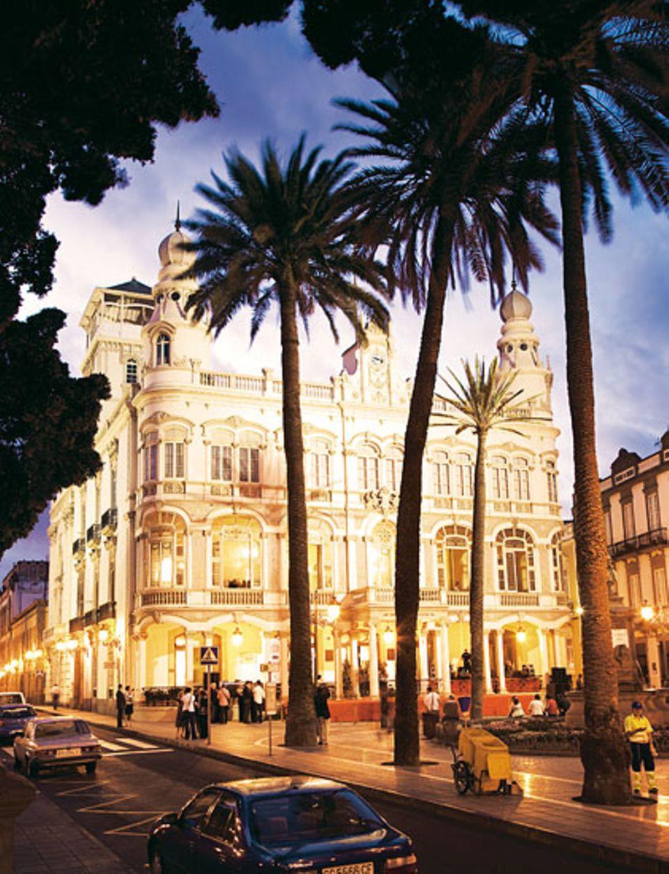 Gabinete Literario: Club, Café, Bibliothek - und eines der schönsten Gebäude in Las Palmas