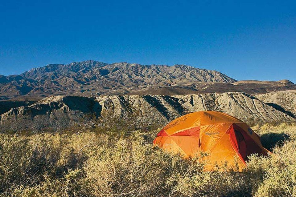 Freiluft-Luxus: Allein unter weitem Himmel im Death Valley