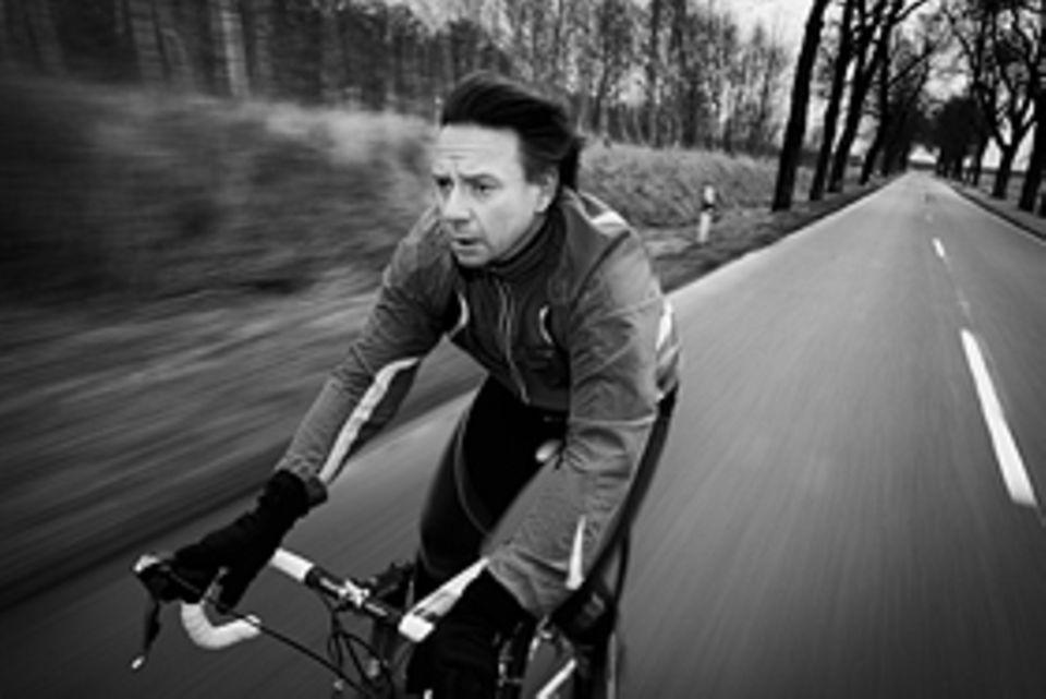 Lebenslauf-Forschung: In seiner Jugend war Francesco De Meo erfolgreicher Radsportler. Dabei hat er gelernt, die Schwächen von Gegnern einzuschätzen und die eigenen zu überspielen. Das kommt ihm heute, wie er sagt, als Manager zugute