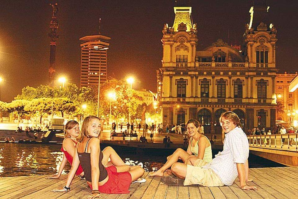 Jugendreisen: Barcelona at night