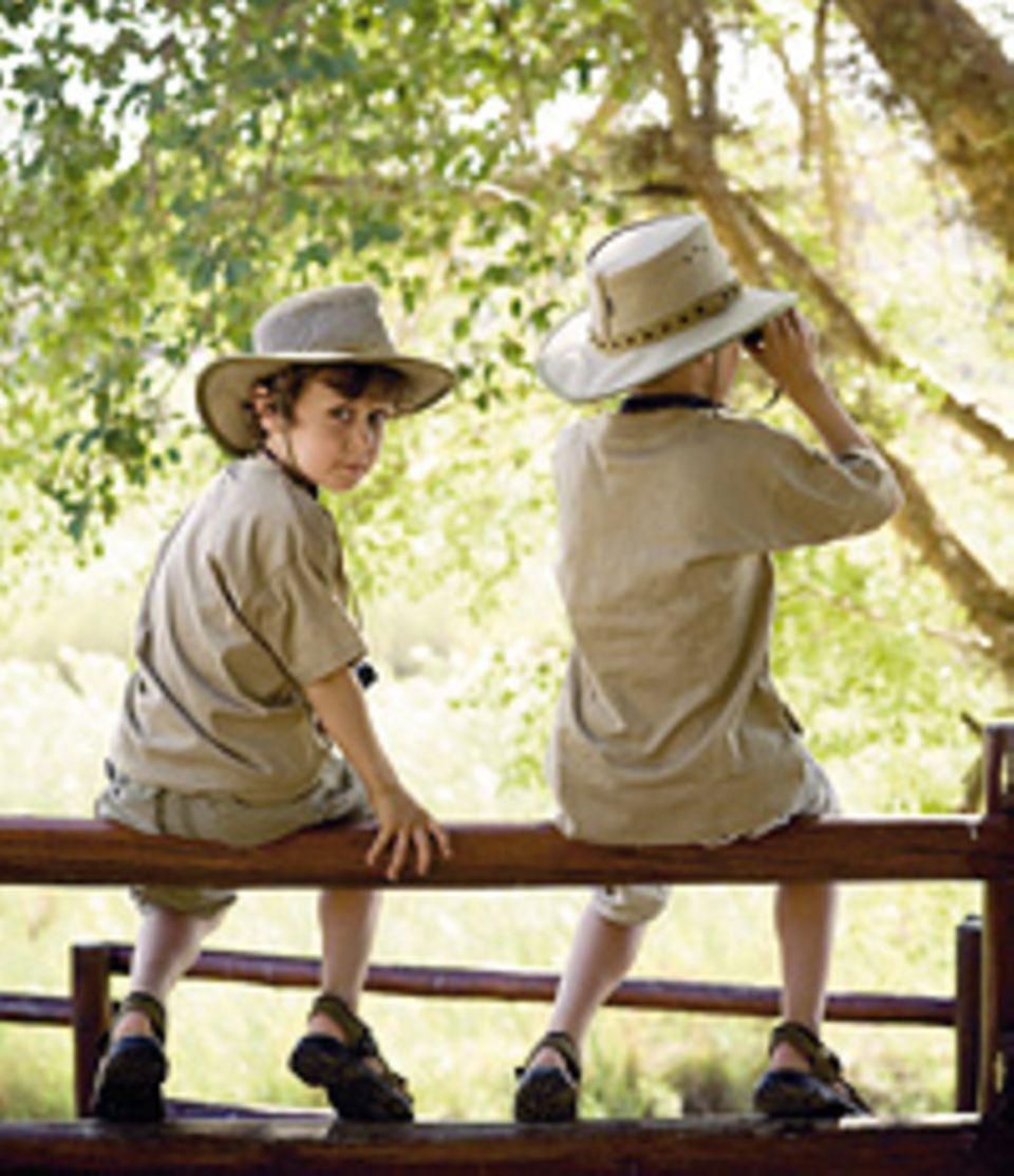 Südafrika: Navid (6) und sein Bruder Nima halten Ausschau nach Krokodilen und Flusspferden
