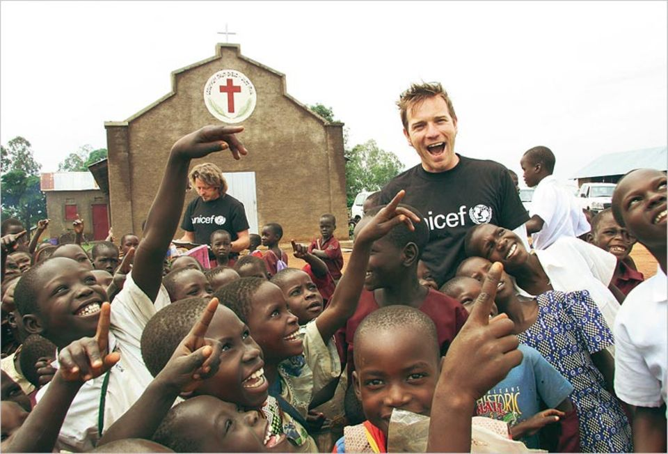 Für Unicef in Afrika: Hollywood-Stars Ewan McGregor (re.) und Charley Boorman