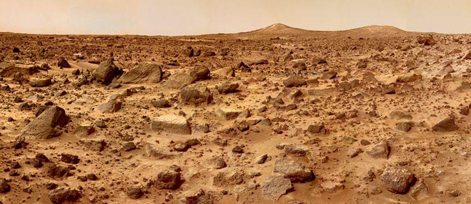 """Forschung: Dieses Foto vom Mars schickte die SONDE """"Mars Pathfinder"""" (auf Deutsch: Mars-Pfadfinder) zur Erde. Sie landete im Juli 1997 auf dem Planeten"""