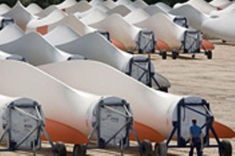 Technik: Wie entsorgt man Windkraftflügel?