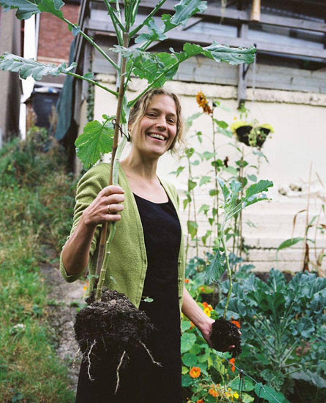 Lou Brown hat das Projekt Garten-Teilen erfunden. Es soll zur Selbstversorgung der Gemeinde beitragen