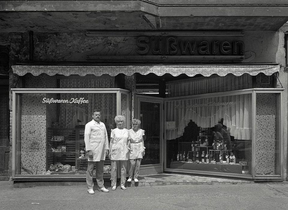 Süßwaren, Kaffee und Spirituosen Menzel, Hufelandstraße 9
