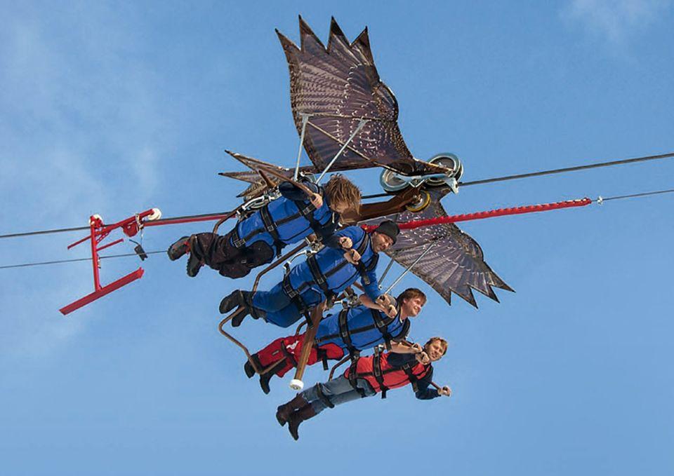 """Fliegen: Ob dekadent oder nicht - den Passagieren scheint der """"Flug"""" Skyglider jedenfalls Spaß zu machen"""