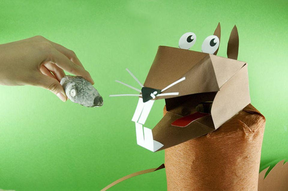 Bastelanleitung: Das Nussknacker-Hörnchen! Niedlich, oder?