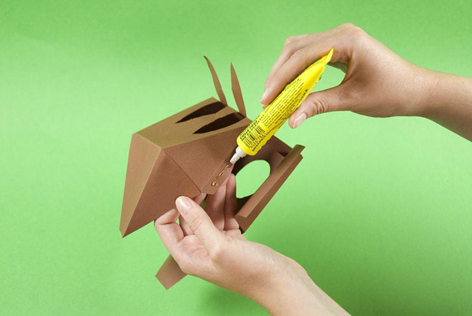 Bastelanleitung: Nussknacker aus Pappe