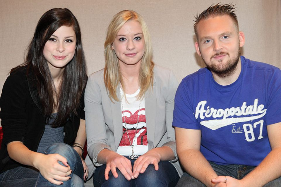 Kino: Ein Erinnerungsfoto am Ende des Interviews: Grand-Prix-Gewinnerin Lena, Sommergerwinnspiel-Gewinnerin Tanja und Axel Stein (v.l.)