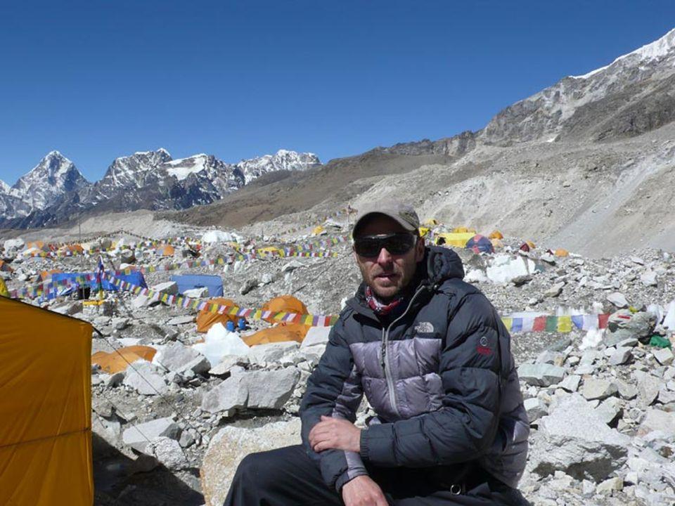 Video + Interview: Im Everest-Basislager: Höherer Dienst: GEO-Special-Redakteur Markus Wolff im Basislager des Mount Everest