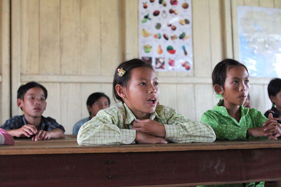 Kambodscha: Chan Thy im Unterricht.