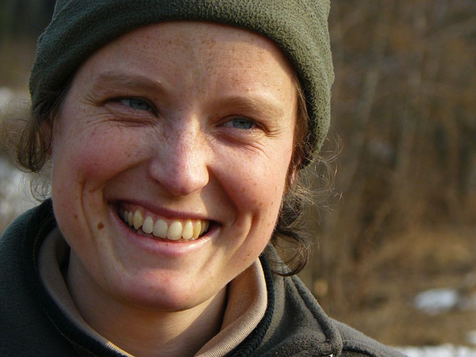 Laetitia Becker hat ein Leben in Russlands Abgeschiedenheit gewählt – für ihre geliebten Wölfe