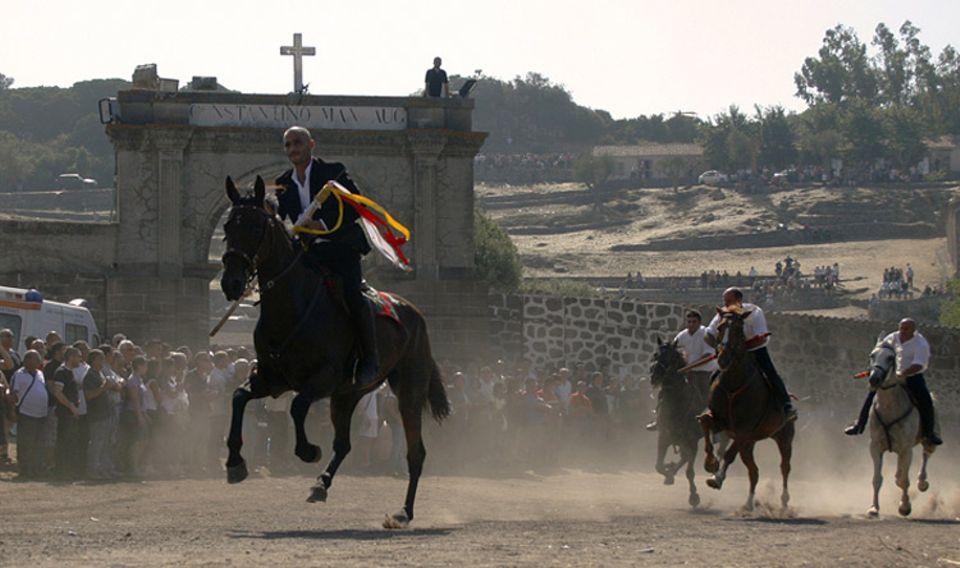 Sardinien, Stolz und Ehre hoch zu Ross