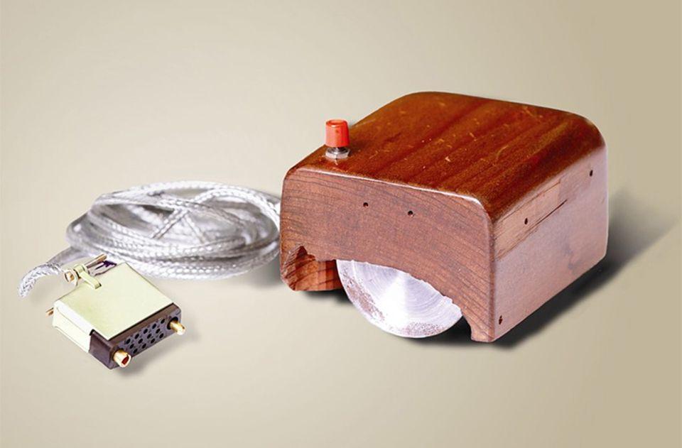 Rekorde und Co. – Computer: Prototyp der ersten Computermaus 1968