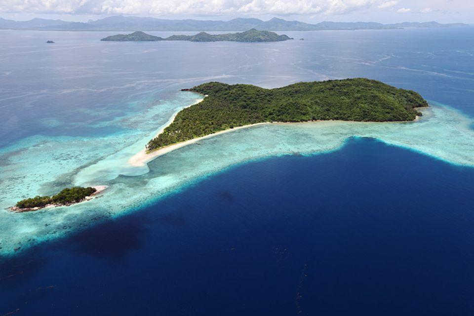 Eine der paradiesischen Inseln Tay Tays im Norden des philippinischen Archipels Palawan. Hier gedeihen die Austern zur Perlzucht unter idealen Bedingungen