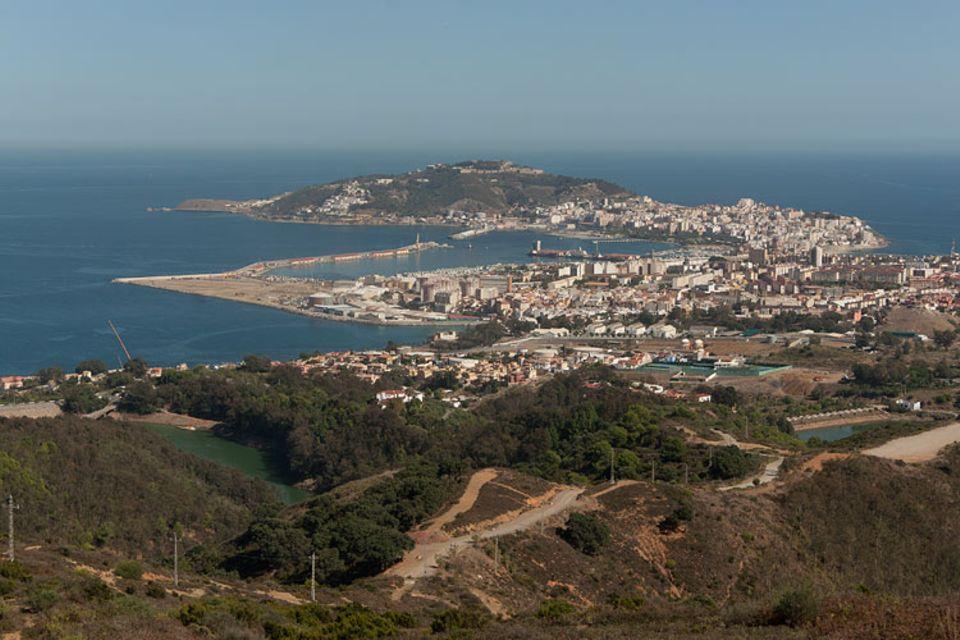 Europa trifft Afrika - Die Stadt Ceuta gehört zu Spanien, liegt aber in Afrika