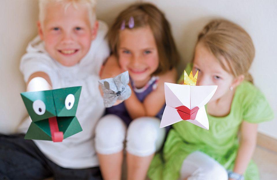 Basteln: Auch seine Freunde hat Christian schon mit dem Origami-Fieber angesteckt