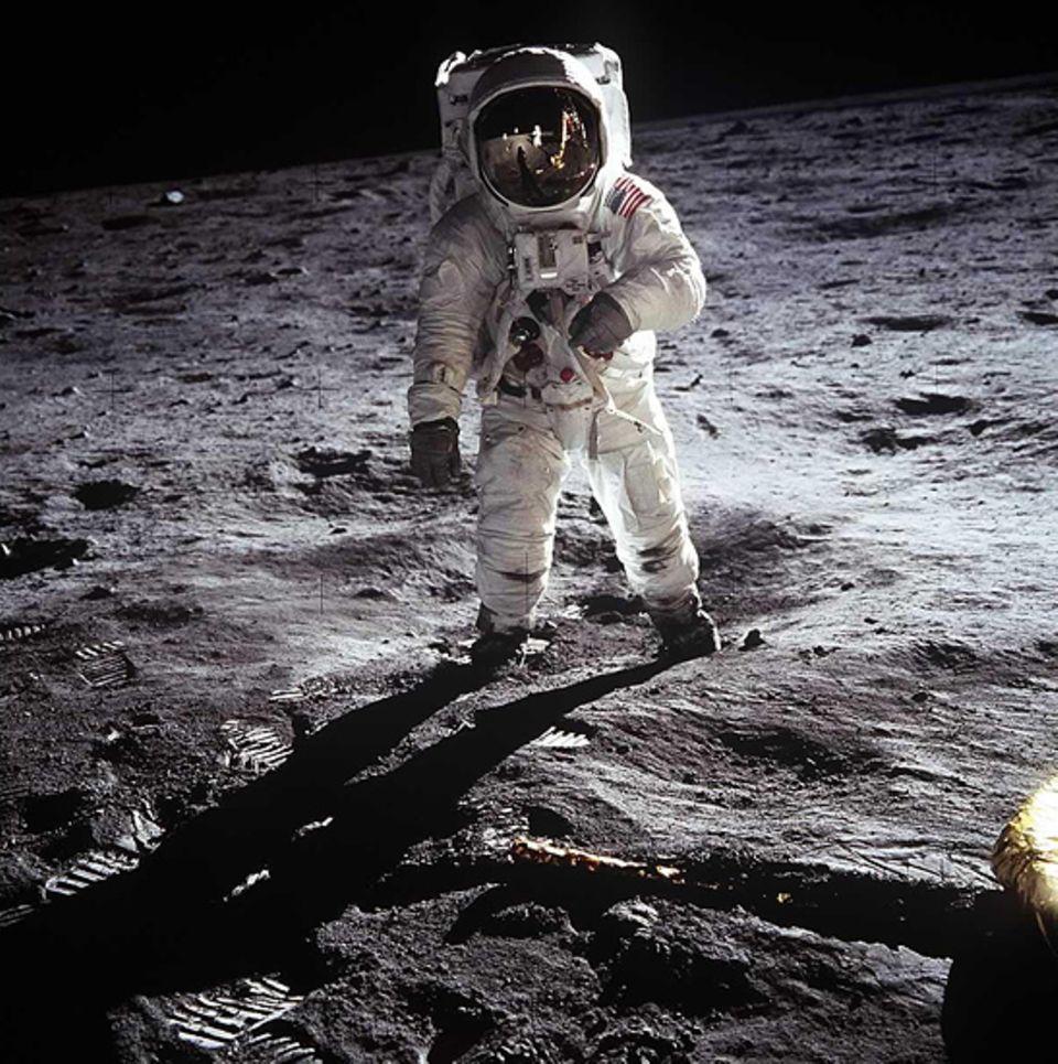 Astronaut Aldrin beim Spaziergang auf dem Mond