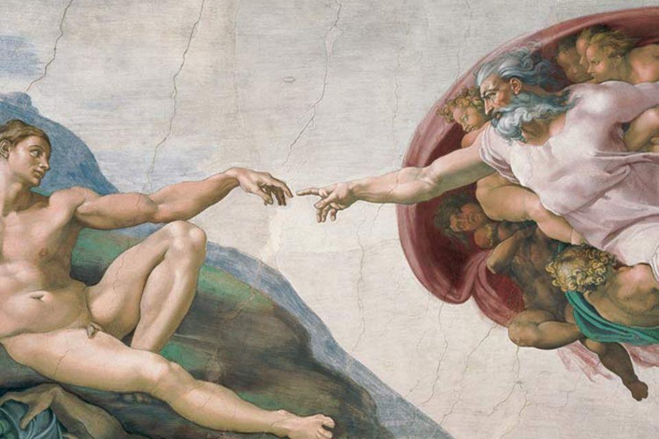 """Das Fresko """"Die Erschaffung des Adam"""" an der Decke der Sixtinischen Kapelle ist typisch für das edle Menschenbild der Renaissance. Doch die Arbeit an dem Gewölbe ist Michelangelo eine Qual"""