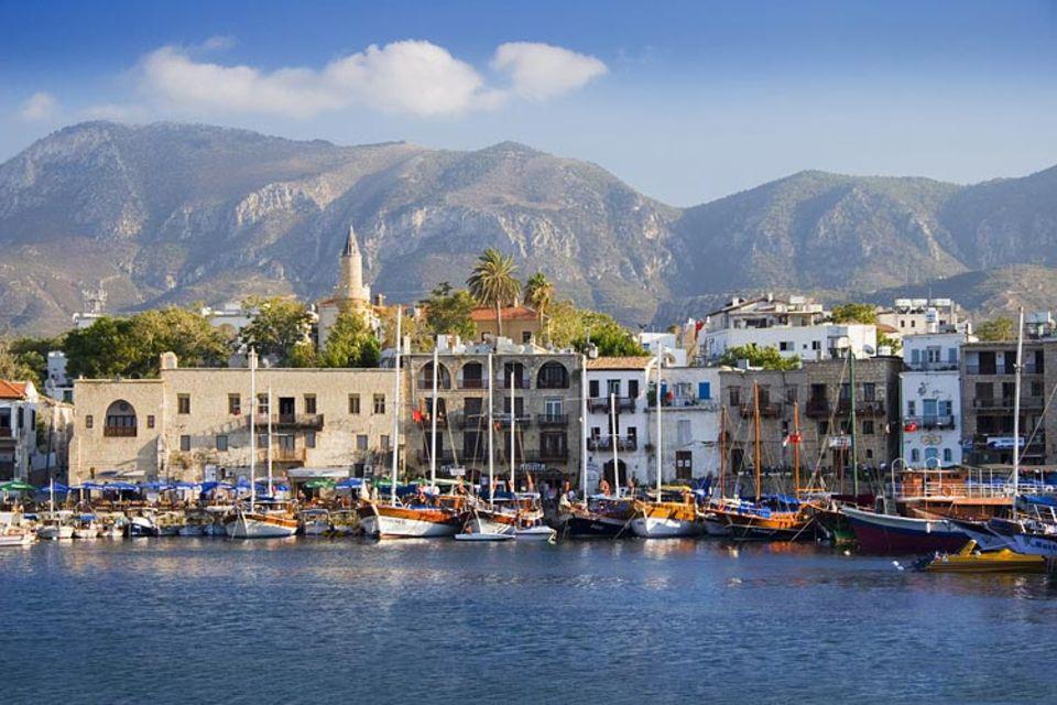 Kurzreise: Fischereihafen und enge, steile Gassen: das Hafenstädtchen Kyrenia