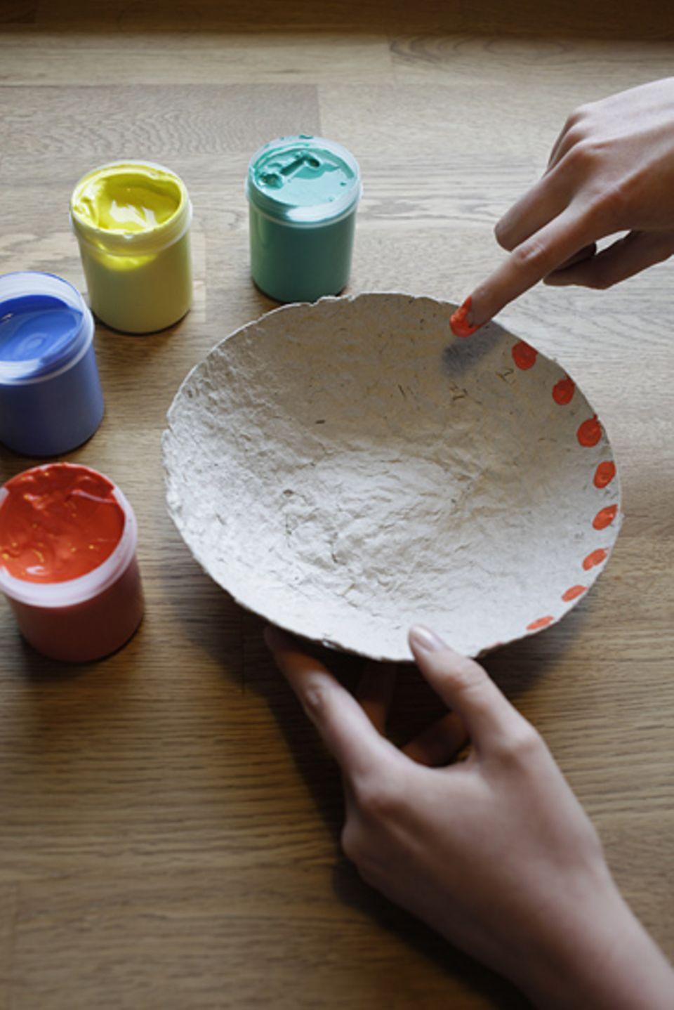 Papierschöpfen: Schalen aus Papier