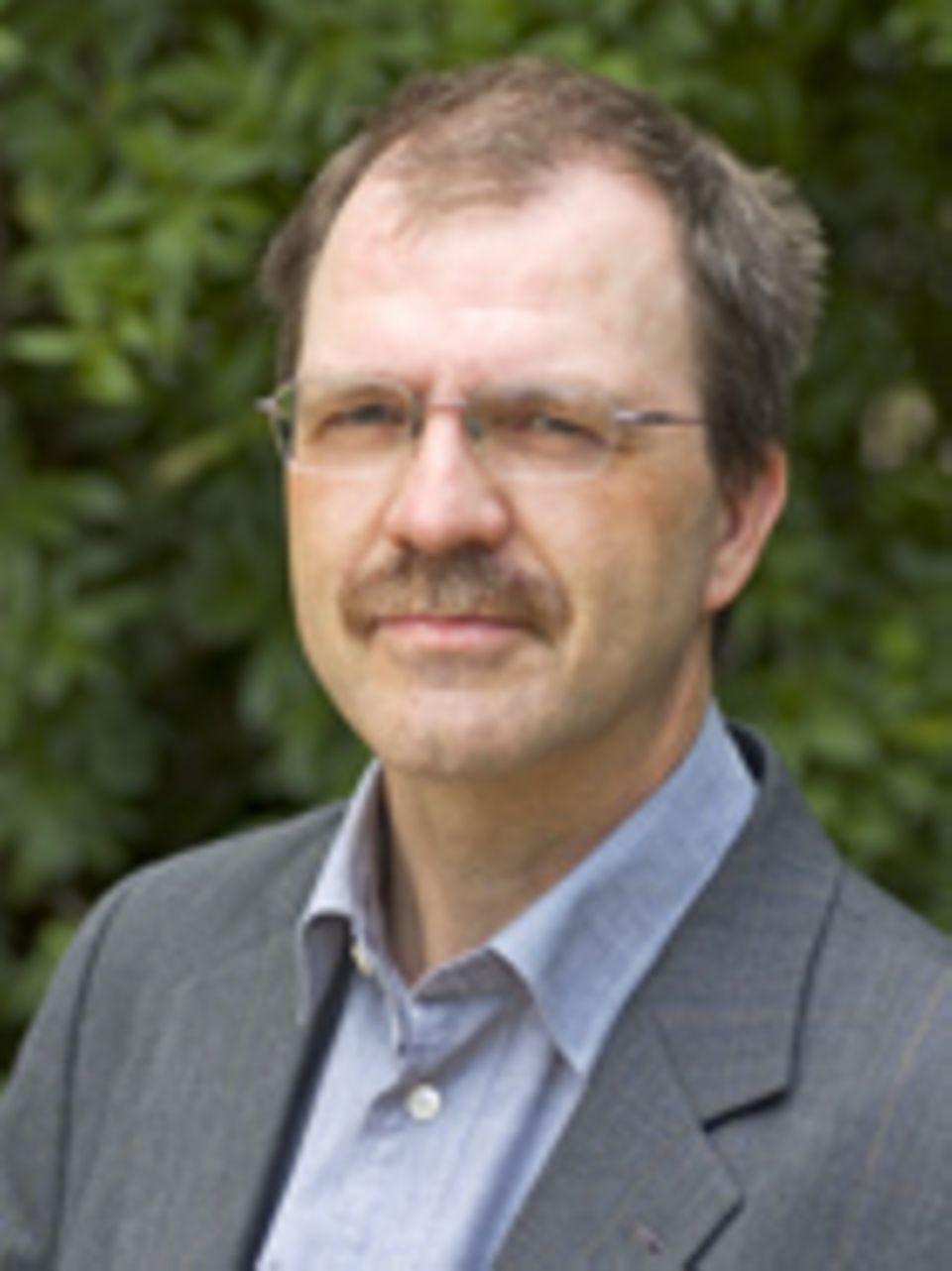 Altkleidersammlungen: Andreas Voget ist Geschäftsführer des Dachverbands FairWertung e.V.