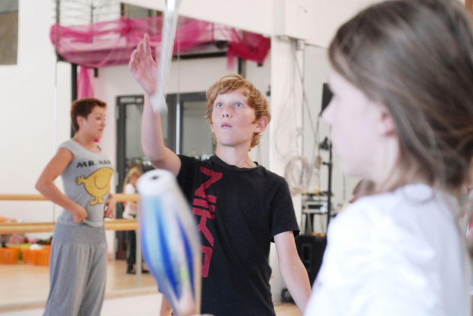 Zirkusschule: Es wird fleißig geübt ...
