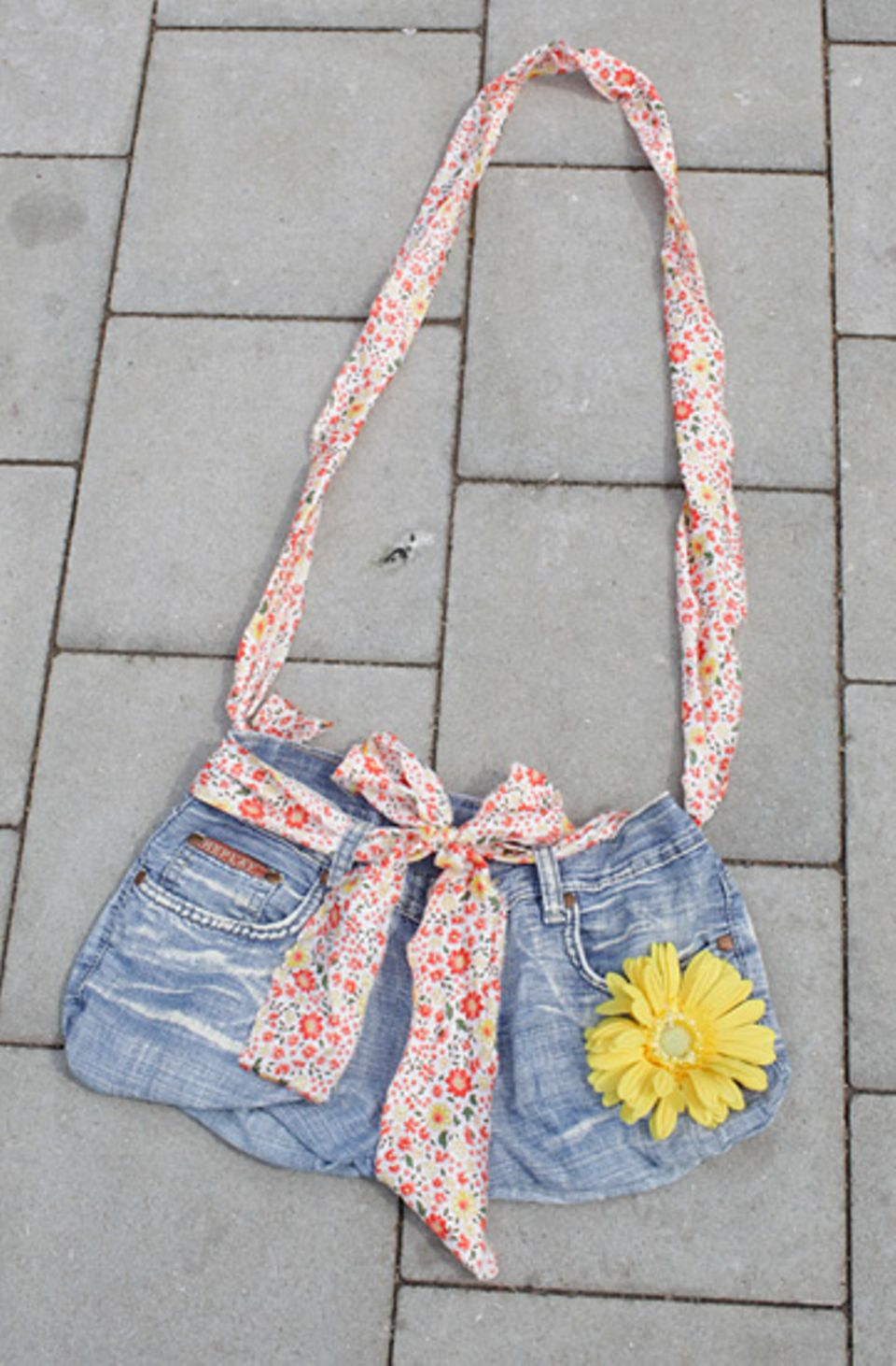 Basteltipp: Jeans-Einkaufstasche