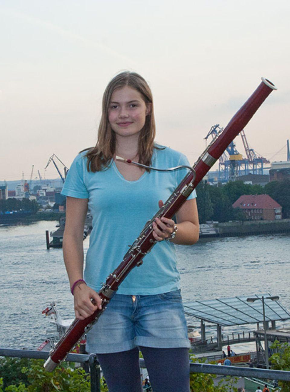 Musikinstrumente: Charlotte Österheld mit ihrem Fagott