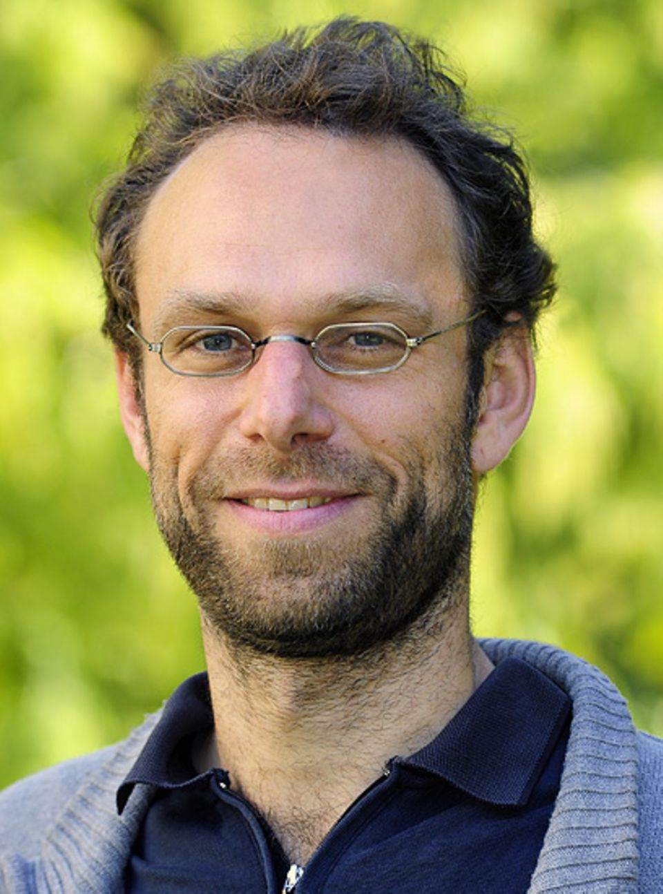 Zugvögel: Zu Martin Schaefers Forschungsschwerpunkten gehören die Populationsgenetik von Vögeln und die visuelle Kommunikation zwischen Pflanzen und Tieren